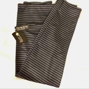 NWT Onzie Hi-Rise midi legging stripe L